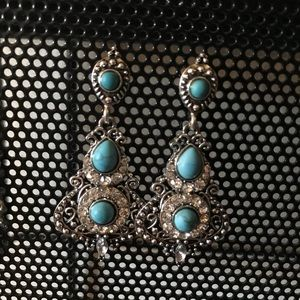 Beautiful turquoise earrings!